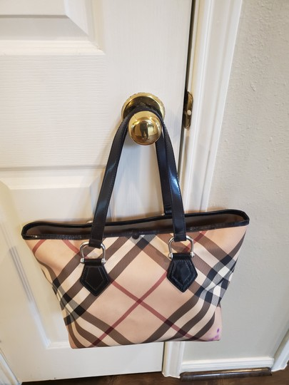 Burberry Tote in Beige Image 1