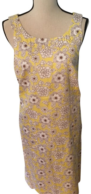 Item - Pale Yellow Floral Vintage Keyhole Back with Pockets From Short Casual Dress Size 14 (L)