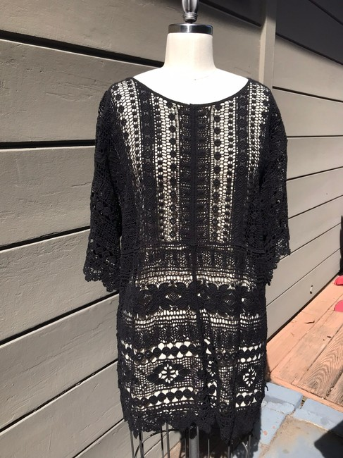 Item - Black Nwot Embroidered Tunic Size 12 (L)