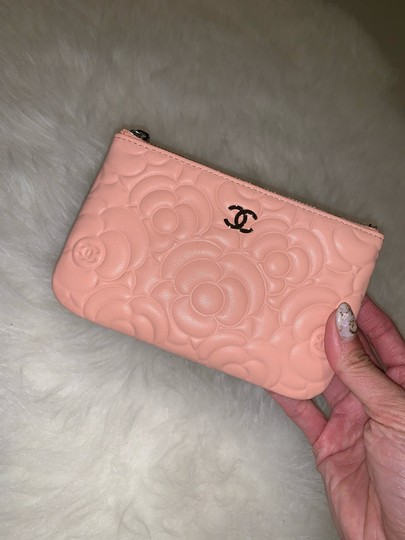 Chanel Chanel 19P mini o case in blush camellia lambskin Image 1