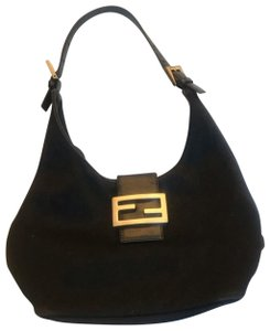 e56237dd672 Fendi Bags on Sale - Up to 70% off at Tradesy