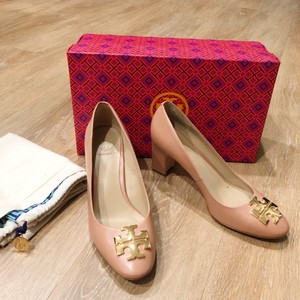 Tory Burch blush Pumps