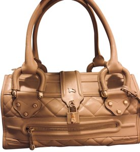 8f5ab0d96ea Lambskin Leather Burberry Bags - 70% - 90% off at Tradesy