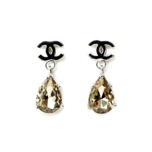 dc3e4bcab761eb Chanel Drop Earrings - Up to 70% off at Tradesy