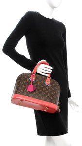 Louis Vuitton Totem Alma Pm Limited Edition Satchel in Flamingo