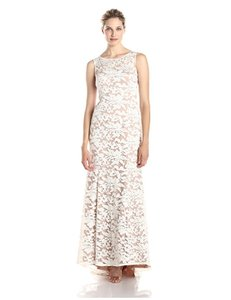 Adrianna Papell White Nude Sleeveless Embroidered Lace Mermaid Gown Feminine Wedding Dress Size 12 (L)