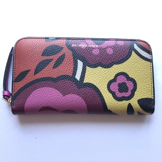Burberry Burberry Peony Rose Print Haymarket Check & Leather Zip Around Wallet Image 1