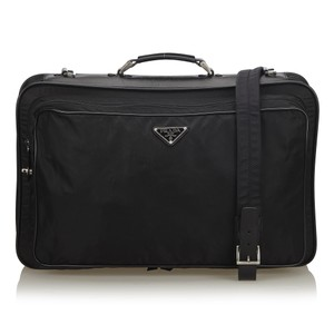 4d89b5ed11d5 Prada Weekend, Travel & Duffle Bags - Up to 70% off at Tradesy