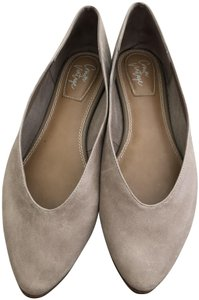 Crown Vintage Pointed Toe Leather 8.5 Taupe Flats