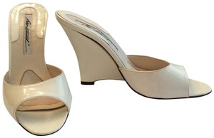 B Brian Atwood Wedge Leather White patent Sandals