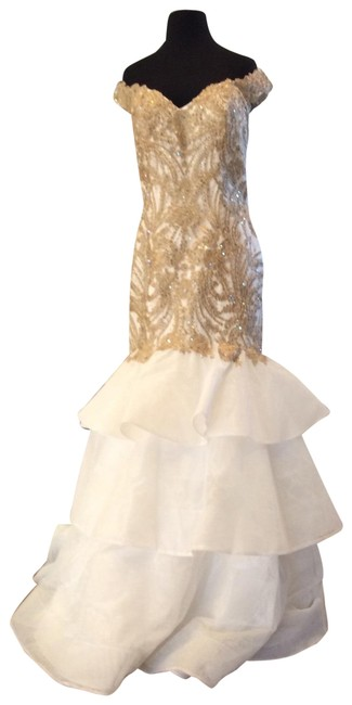 Item - Ivory/Gold 52347 Long Formal Dress Size 14 (L)