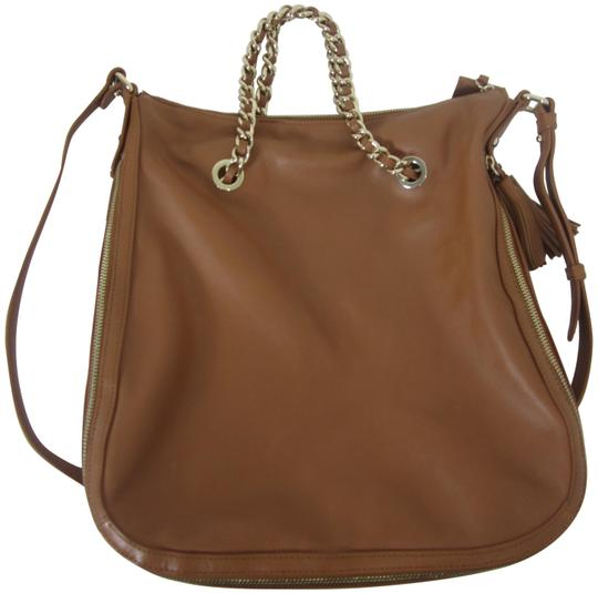 Preload https://img-static.tradesy.com/item/25431919/gili-smooth-brown-leather-hobo-bag-0-1-540-540.jpg