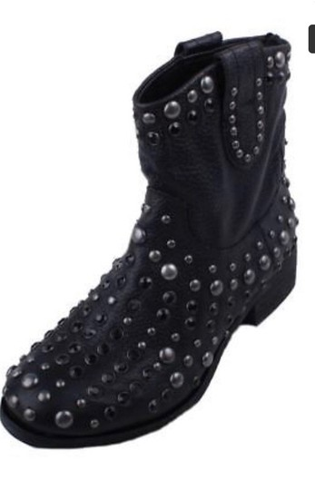 MIA LIMITED EDITION Black Boots Image 3