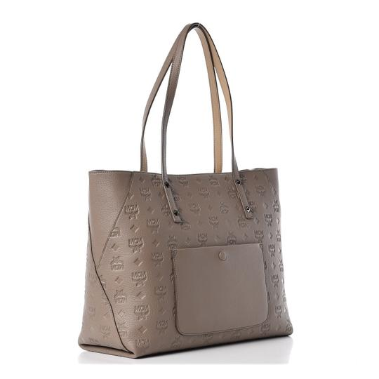 MCM Tote in taupe Image 5