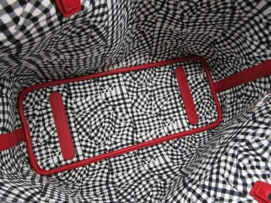 MCM Tote in red Image 4