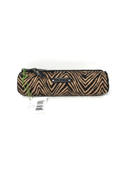 Preload https://img-static.tradesy.com/item/25432338/vera-bradley-zebra-on-a-roll-case-in-cosmetic-bag-0-0-540-540.jpg