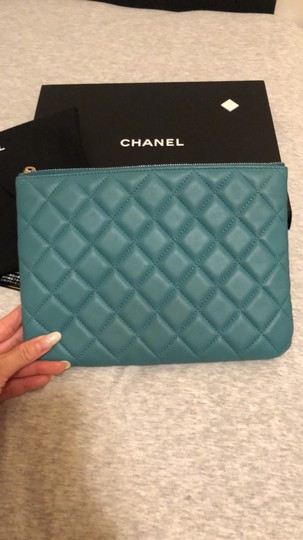 Chanel turquoise Clutch Image 4