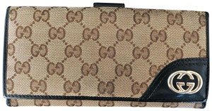 Gucci Gucci GG Canvas Leather