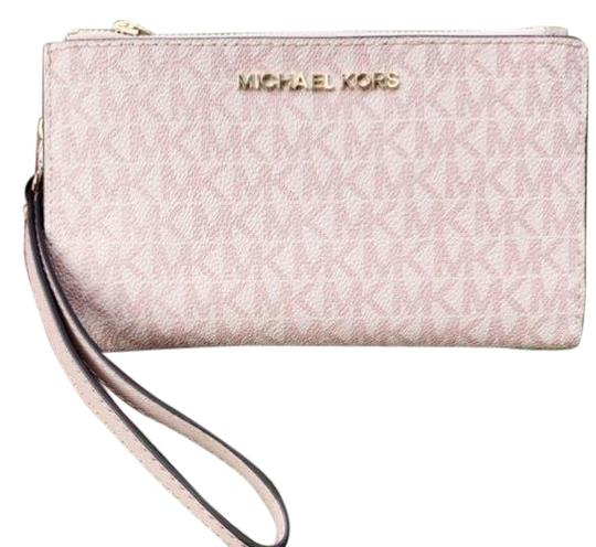 Preload https://img-static.tradesy.com/item/25432587/michael-kors-carryall-jet-set-medium-and-wristlet-set-ballet-pink-saffiano-leather-tote-0-1-540-540.jpg