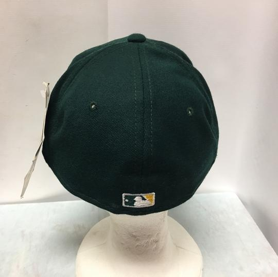 The pro Vintage 90s Oakland's A's Fitted Cap Image 2