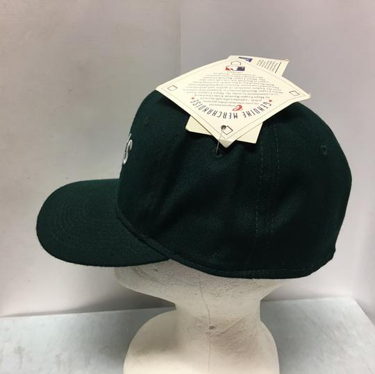 The pro Vintage 90s Oakland's A's Fitted Cap Image 3