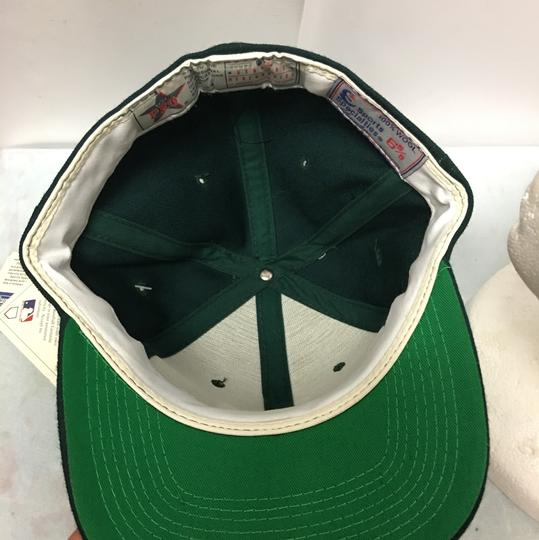 The pro Vintage 90s Oakland's A's Fitted Cap Image 4