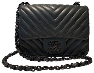 814cee2875b5 Chanel Mini Crossbody Bags - Up to 70% off at Tradesy (Page 6)