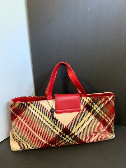 Burberry Tote in red Image 1