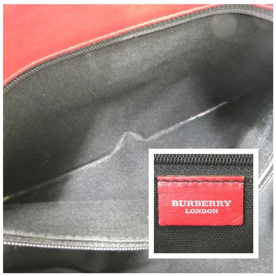 Burberry Tote in red Image 10
