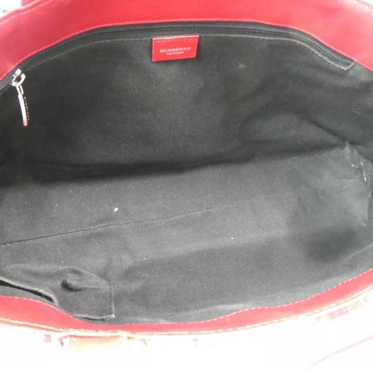Burberry Tote in red Image 11