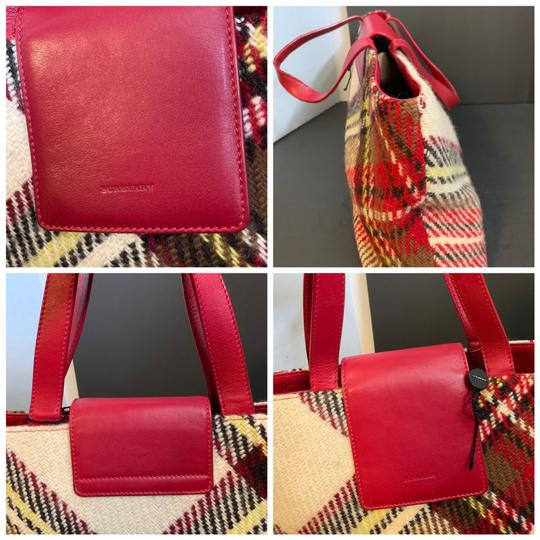 Burberry Tote in red Image 3