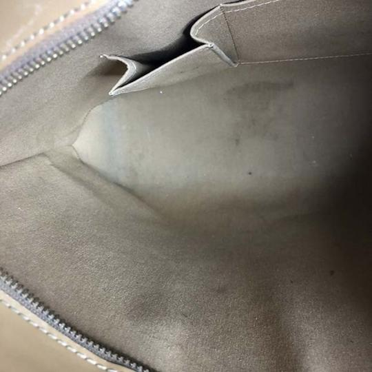 Louis Vuitton Tote in Beige Image 4