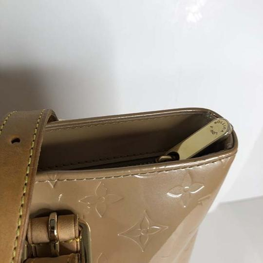 Louis Vuitton Tote in Beige Image 8