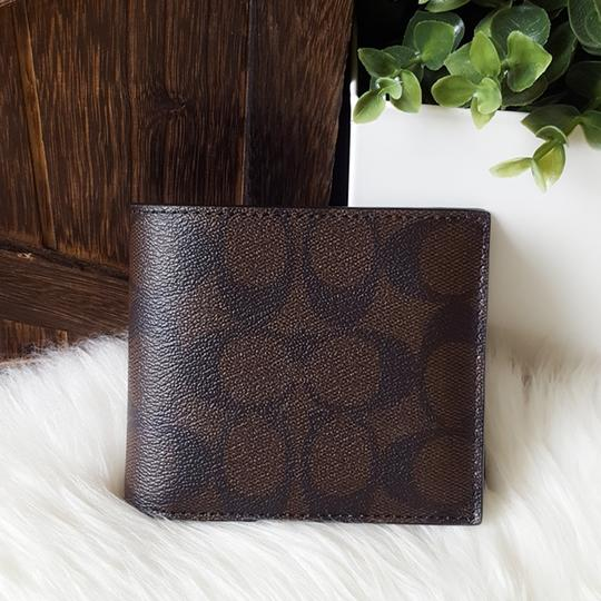 Coach COACH F74993 SIGNATURE COMPACT ID WALLET Image 1