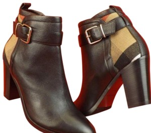 Burberry Black Madeline Leather Check Canvas Gold Belted Buckle Ankle Boots/Booties. Size EU 40 Boots