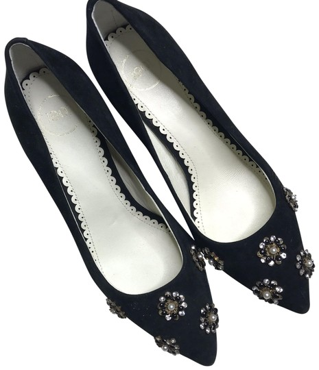 Preload https://img-static.tradesy.com/item/25433892/black-bradford-flower-embellished-pointed-toe-heels-flawed-pumps-size-us-6-regular-m-b-0-1-540-540.jpg