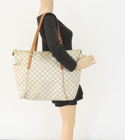 Louis Vuitton Lv Damier Azur Totally Gm Shoulder Bag Image 11