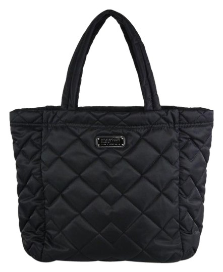 Preload https://img-static.tradesy.com/item/25434059/marc-jacobs-large-crosby-quilted-black-nylon-tote-0-2-540-540.jpg