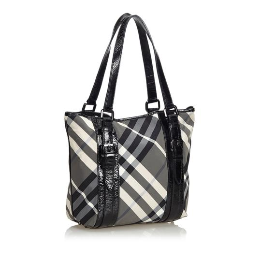 Burberry 9dbuto015 Vintage Nylon Patent Leather Tote in Black Image 1