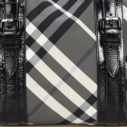 Burberry 9dbuto015 Vintage Nylon Patent Leather Tote in Black Image 11