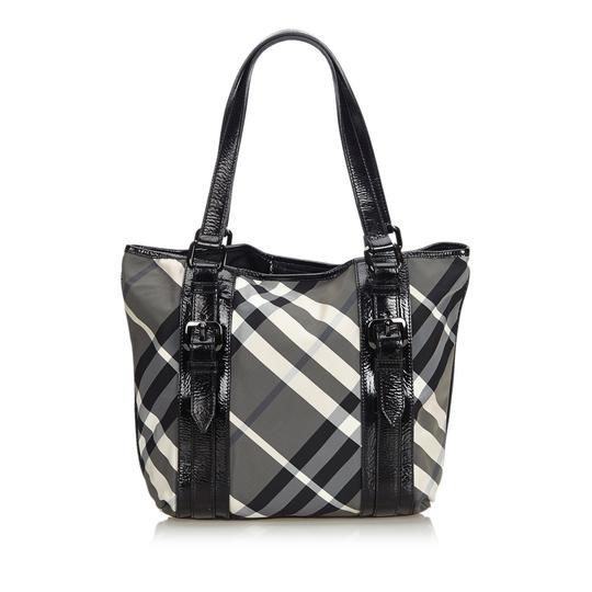 Burberry 9dbuto015 Vintage Nylon Patent Leather Tote in Black Image 2