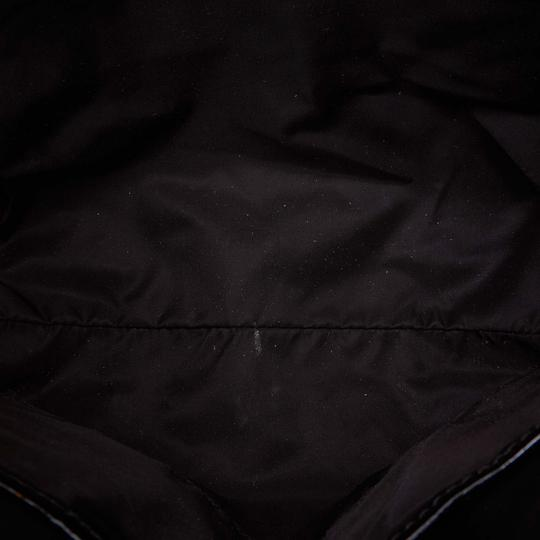 Burberry 9dbuto015 Vintage Nylon Patent Leather Tote in Black Image 4