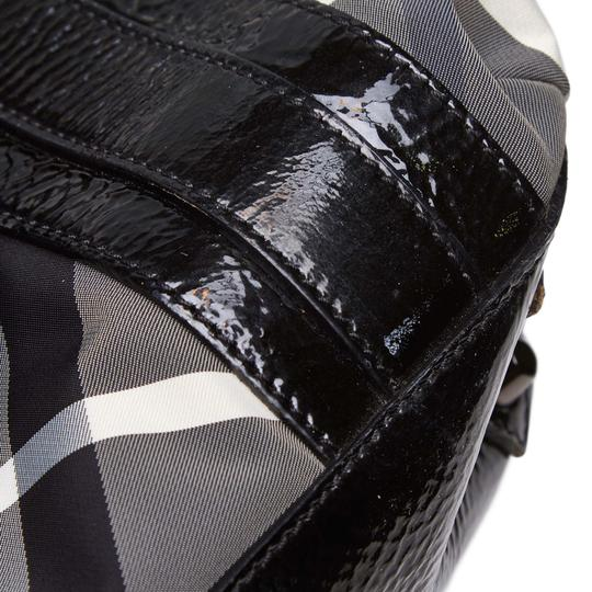 Burberry 9dbuto015 Vintage Nylon Patent Leather Tote in Black Image 7