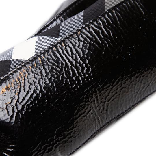 Burberry 9dbuto015 Vintage Nylon Patent Leather Tote in Black Image 9