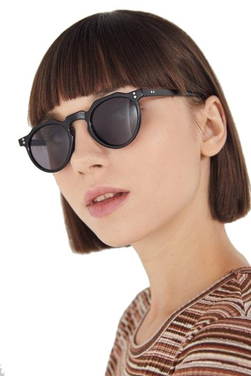 Preload https://img-static.tradesy.com/item/25434205/urban-outfitters-black-ella-round-sunglasses-0-1-540-540.jpg