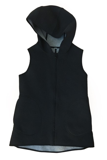 Preload https://img-static.tradesy.com/item/25434349/lululemon-black-grey-reversible-activewear-outerwear-size-4-s-0-1-650-650.jpg