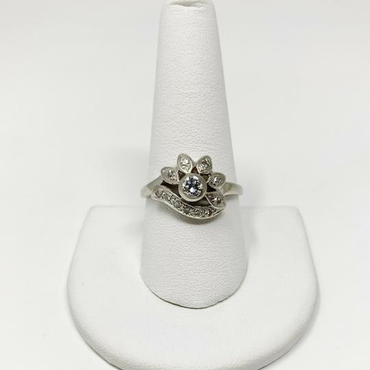 Other 14k White Gold .2ct Center Stone Floral Diamond Ring Size 9.5 Image 3