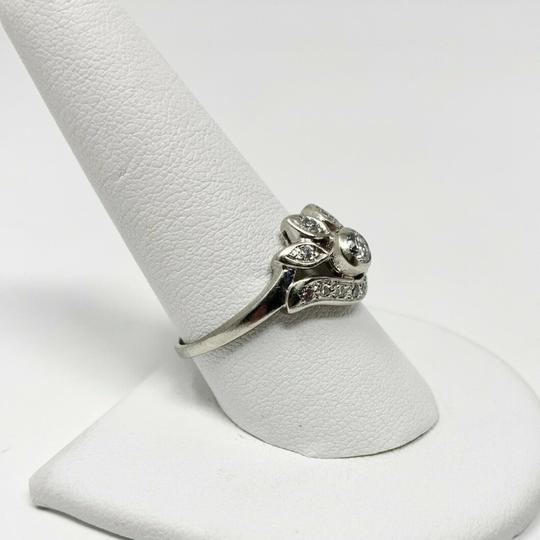 Other 14k White Gold .2ct Center Stone Floral Diamond Ring Size 9.5 Image 4
