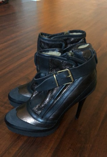Burberry black and cooper/gold Boots Image 1