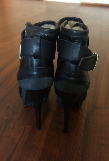 Burberry black and cooper/gold Boots Image 4
